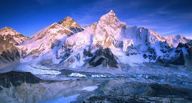 Everest Base Camp Trek - spectacular mountain view
