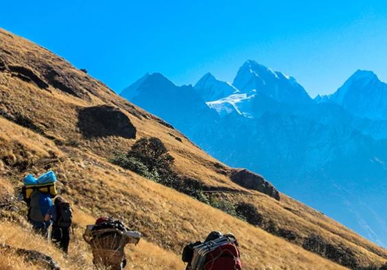 Trek to Chokhangparo (3010m, 4-5 hours)