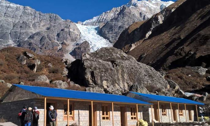 Trek from Lama Hotel to Langtang Village to Mundu