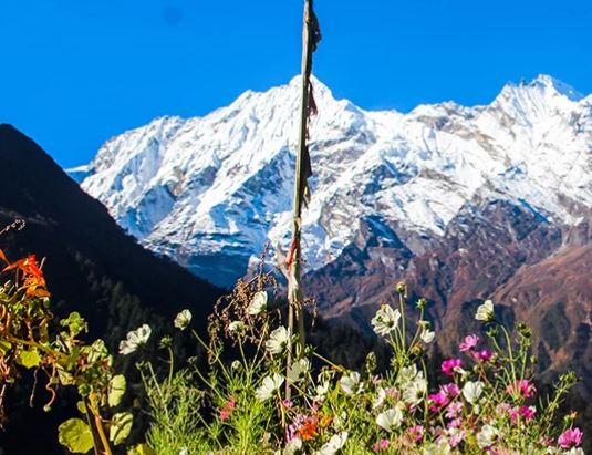 Trek to Chisapani (5445m, 4-5 hrs)
